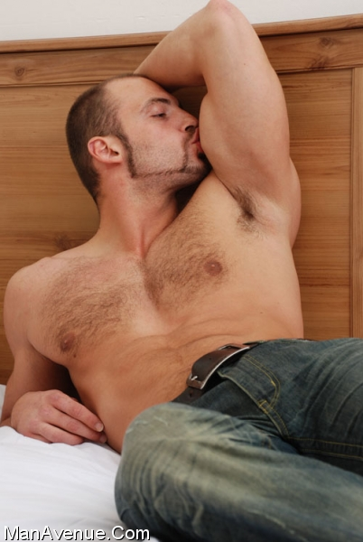 Hairy_muscle_porn047